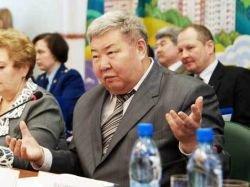 В своей акции Низовкина и Стецура приковали себя не к той двери