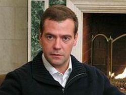 Медведев обсуждает с главой ЮАР войну в Ливии