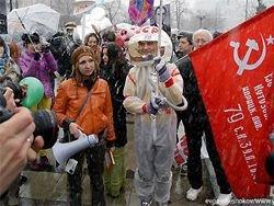 Москва: полиция разогнала арт-шествие в честь Дня космонавтики