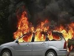 Загоревшийся автомобиль спровоцировал панику в Минске