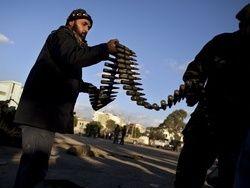 Повстанцы потребовали замороженных денег Каддафи