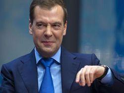 Все больше россиян хотят оставить у власти Медведева