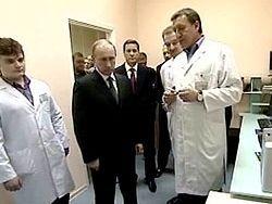 Путин решил сократить численность чиновников в здравоохранении