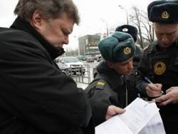 Лидера  Яблока  задержали за участие в пикете