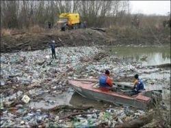 Украинские реки несут в Европу сотни тысяч тонн мусора