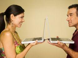 Интернет-знакомства признали полезными для здоровья
