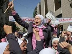 Полиция применила слезоточивый газ против демонстрантов в Сирии