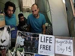Иранцы, бежавшие в Британию, зашили себе рты