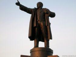 Ленинабад лишили Ленина