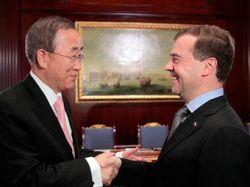 Генсек ООН попросил Медведева помочь с переизбранием