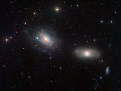 Астрономы застали галактики на грани столкновения