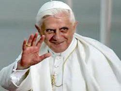 Папа Римский ответил на вопросы верующих в телеэфире
