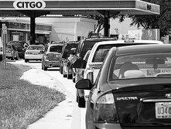 """В США ищут виновных в """"бензиновом кризисе"""""""