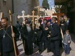 В Иерусалиме паломники ожидают схождения Благодатного огня