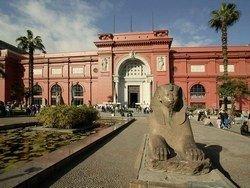 Тысячи работ египетских художников найдены в склепе в Каире