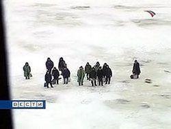 В Хакасии спасли 23 унесенных от берега рыбаков