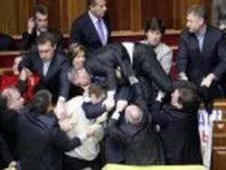 За что украинцы не любят своих депутатов