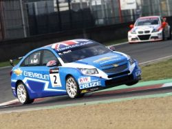 Хафф выиграл первую гонку WTCC в Бельгии