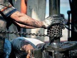 Ливийские повстанцы не смогут добывать нефть в течение месяца