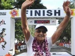 Глэдис Баррил - самая пожилая женщина марафонец