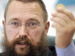 Герман Стерлигов предложил упразднить бумажные деньги