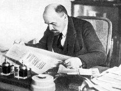 """История фотографии: Ленин читает """"Правду"""""""