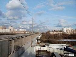 Нетрезвый водитель съехал в Москву-реку