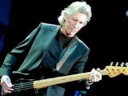 Басист Pink Floyd споет с петербургскими детдомовцами