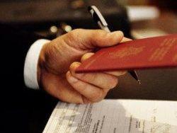 У должников будут отбирать загранпаспорта
