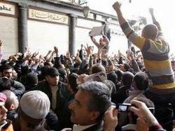 В Сирии войска расстреливают демонстрантов