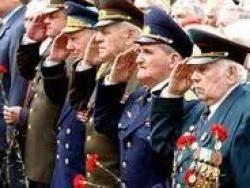 Пенсии военнослужащих с 2012 года вырастут в полтора раза, заявил премьер-министр России Владимир Путин.