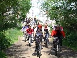 Велосипедисты выступили в защиту Юнтоловского леса