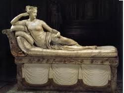 Итальянцы выбрали самую сексуальную женскую скульптуру