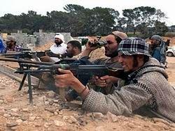 Повстанцы ударят по Каддафи со всех сторон
