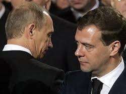 Le Figaro: Медведев и Путин на старте предвыборной гонки-2012