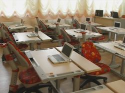 Украинских школьников будут обучать через компьютер