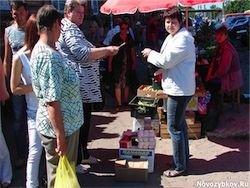 Дворы брянских городов заняли стихийные торговцы из Беларуси
