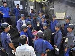 В Китае спасателям предлагают 200 000 фунтов за шахтёра