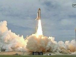 """Шаттл """"Атлантис"""" успешно вышел на околоземную орбиту"""
