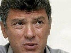 """Немцов: Кремль хотел бы сделать российскую оппозицию """"невыездной"""""""