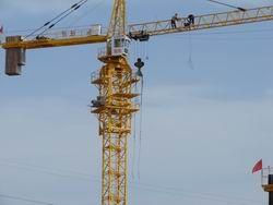 В Оренбурге рухнул башенный кран
