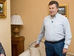 Янукович не советует СМИ лезть в Межигорье