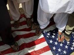 Посольство США в Дамаске забросали яйцами и обувью