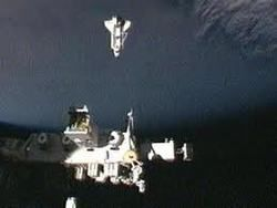 """Шаттл """"Атлантис"""" прибыл на МКС с прощальным визитом"""