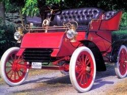 23 июля 1903 года Форд продал первый автомобиль