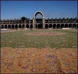 В Иране соткали ковер величиной с футбольное поле (видео)