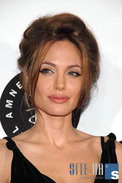Анджелина Джоли борется с раком