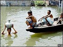 За неделю от муссонов в Бангладеш погибли 40 человек