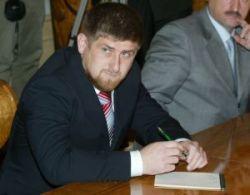 Глава Чечни призвал начать борьбу с терроризмом с беглого олигарха