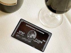 Половина российских магазинов прекратит принимать карты American Express